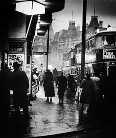 Charing Cross Road, St. Giles Circus, London 1935