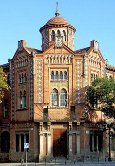 Barcelona - Av. Rius i Taulet 005 a | Arch: Pere Domènech i Roura. Modernisme