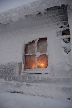 Midday Christmas EveSaariselkä  photo by designhuone.net  flickr  reposting because somewhere down the line it lost its original caption and also because I found a little surprise to go with it.Might repost a few photos from last Christmas but will mark with a *