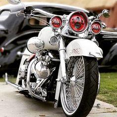 Monday Morning Rides… By Fahrten am Montagmorgen … von Davidson motorrad Harley Davidson Street Glide, Harley Davidson Motorcycles, Custom Motorcycles, Victory Motorcycles, Honda Motorcycles, Vintage Motorcycles, Motos Harley, Harley Bikes, Bagger Motorcycle