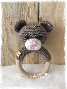 Welcome Crafts Home Crochet Baby Toys, Crochet Animals, Baby Knitting, Crochet Patterns Amigurumi, Crochet Blanket Patterns, Handmade Baby, Handmade Toys, New Baby Presents, Newborn Toys