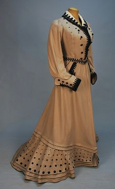 Promenade dress 1900-1905 by dovima_is_devine_II, via Flickr