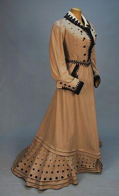 Promenade dress 1900-1905