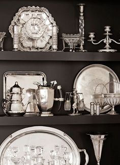 [CasaGiardino] ♡ Love old silver. (Shelves added in a dining room display an extensive silver collection. - Traditional Home ® / Photo: John Ellis / Design: Carmen Lopez) Vintage Silver, Antique Silver, Home Interior, Interior Design, Hollywood Homes, West Hollywood, Silver Trays, Silver Plate, Silver Cutlery