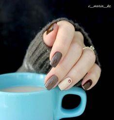 Semi-permanent varnish, false nails, patches: which manicure to choose? - My Nails Cute Nails, Pretty Nails, Elegant Nail Art, Gold Glitter Nails, Stylish Nails, Perfect Nails, French Nails, Natural Nails, Nails Inspiration