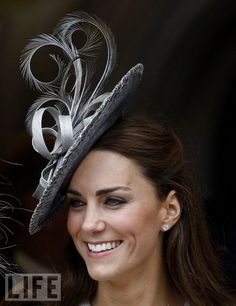 Royal hat: Kate Middleton duchess of cambridge  visit me at My Personal blog: http://stampingwithbibiana.blogspot.com/