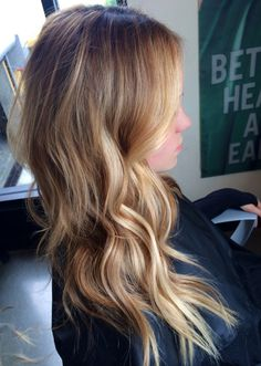 Highlights every other in front and 2to1 middle then all low lights in back #bronde #haircolor #hairstyle