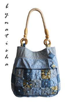 Love the patchwork Denim Handbags, Mk Handbags, Purses And Handbags, Handmade Purses, Handmade Handbags, Patchwork Bags, Quilted Bag, Denim Patchwork, Denim Bag