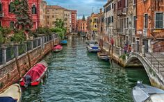Man Made - Venice Man Made Italy Canal House Boat Colors Colorful Wallpaper Aesthetic Desktop Wallpaper, City Wallpaper, Colorful Wallpaper, Desktop Wallpapers, Venice Canals, Venice Italy, Italy Honeymoon, Desktop Pictures, Italy Travel