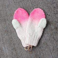 thetailorsstories:    ombre mittens by ship & shape