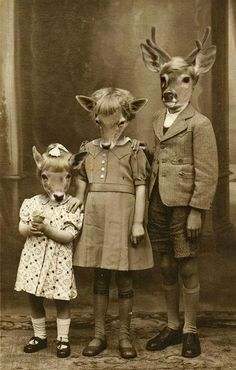 Some of the stranger old-timey photos you will ever see (36 Photos)