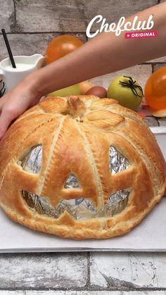 Halloween Appetizers For Adults, Comida De Halloween Ideas, Appetizers For Kids, Halloween Desserts, Halloween Dinner, Halloween Food For Party, Party Desserts, Party Snacks, Party Appetizers