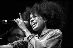 Nneka.