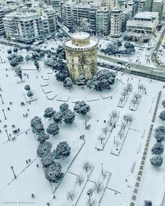 Wintertime in beautiful Thessaloniki, Macedonia, Greece Air France, Greece Pictures, Paradise On Earth, Winter Scenes, Amazing Destinations, Aerial View, Beautiful Places, Wonderful Places, Places To Visit