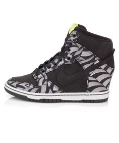 detailed pictures 6168e 413c0 Black Dunk Sky High Lotus Jazz Liberty Print Trainers, Nike. Shop more  Liberty print