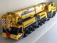 p LIEBHERR LTM 1750 scale Stage 1 almost ready. Stage 1 means a chassis what can drive and steer. Now i'm ready for stage A working crane. Lego Technic Sets, Lego Truck, Toy Trucks, Legos, Lego Crane, Lego Construction, Lego Toys, Lego Worlds, Lego Models