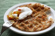 Waffle Iron Hash Browns by teaandcookiesblog: Prepare to delight in all the crunchy nooks and crannies! #Hash_Browns #Waffle_Iron