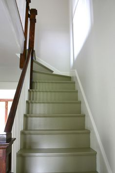 painted stairs with bead board -- Benjamin Moore Providence Olive, I'm not sure this is correct; or at least in most lights, it will look more beige and less green. It was a Pottery Barn Color Painted Staircases, Painted Stairs, Spiral Staircases, Cottage Style, Farmhouse Style, Cozy Cottage, Small Cottage Homes, Cottage House, Living Comedor