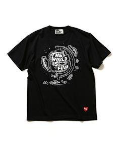 BEAMS Tの【予約】BLACK HUMOURS by Jody Barton / GLOBE Tシャツです。こちらの商品はBEAMS Online Shopにて通販購入可能です。