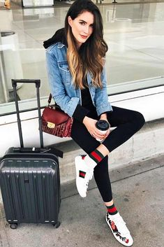 65 Airport Outfit Ideas: The Pieces You Need to Travel – Style Glams Casual Travel Outfit, Casual Outfits, Cute Outfits, Fashion Outfits, Womens Fashion, Woman Outfits, Airport Outfit Spring, Spring Outfits, Winter Outfits
