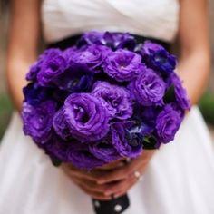 Violate rose bouquet
