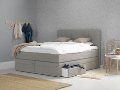Seng med oppbevaring + hodegavl hos Confident Living. Kontinentalseng med oppbevaring Compact Living, Decor, Storage, Bench, Bed, Furniture, Storage Bench, Home Decor