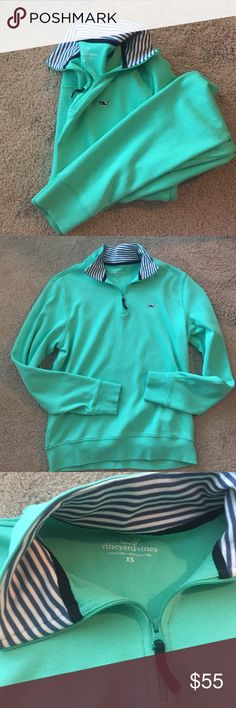 Vineyard Vines Quarter Zip Men's XS! Fits a women's small/medium. Bright teal with the cutest striped collar. A great fall pullover :) Vineyard Vines Sweaters