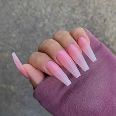 Coffin ombre acrylic nail art design is one of the most popular nail designs. Acrylic Nails Coffin Ombre, Coffin Nails Long, Baby Pink Nails, Pink Ombre Nails, Nail Art Designs, Acrylic Nail Designs, Diamond Nails, Gold Nails, Ballerina Nails