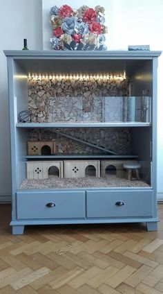 Repurpose your old furniture into a hamster habitat Cage Hamster, Diy Guinea Pig Cage, Hedgehog Cage, Guinea Pig Hutch, Guinea Pig House, Hamster House, Pet Guinea Pigs, Guinea Pig Care, Diy Hedgehog House