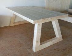 Tafel steigerhouten tafelblad / asymmetrisch onderstel E 279,-