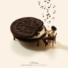 Bigger doesn't always mean better, as Japanese artist Tatsuya Tanaka proves with these tiny dioramas that he makes for his ongoing Miniature Calendar project. Creative Photography, Art Photography, Musik Illustration, Miniature Calendar, Miniature Photography, Music Artwork, Tiny World, Japanese Artists, Surreal Art