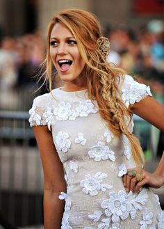 Vintage Cute Dress Hairstyle Blake Lively