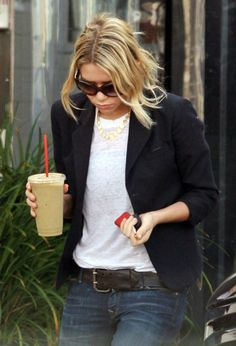 chic olsen style-one of these days I should really try the casual blazer thing.