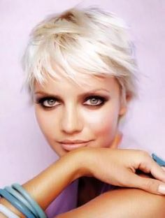 Short blonde hairstyles pictures. Blonde haircuts section 13. Picture 130.