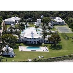 LuxuryLifestyle BillionaireLifesyle Millionaire Rich Motivation WORK Extravagance 184 1 http://ift.tt/2mNttkK