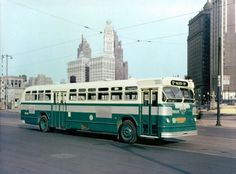 Bus Stop Classics: 1946 – 1959 Flxible Twin Coach Transit Bus – Chicago's Favorite Heavy Duty Trucks, Heavy Truck, Chicago Bus, Chicago Transit Authority, Railway Museum, Cab Over, Bus Station, Busses, Bus Stop