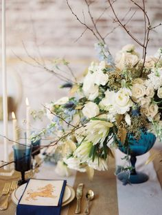 Navy & Gold Wedding Ideas | Wedding Sparrow | www.weddingsparrow.co.uk