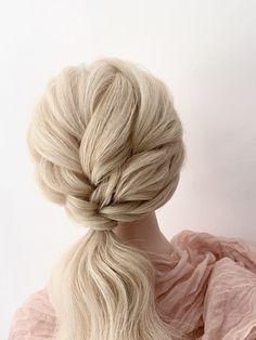 Textured,detailed ponytail for the modern bride /bridesmaids Gold Wedding Theme, Wedding Themes, Wedding Ideas, Blonde Bridal Hair, Luxury Hair, Wedding Hairstyles For Long Hair, Girls Life, Hairdos, Flower Girls