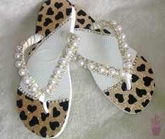 Shoes Flats Sandals, Bare Foot Sandals, Flat Sandals, Diy Jewelry, Handmade Jewelry, Shoe Refashion, Slippers For Girls, Anklet, Cute Shoes