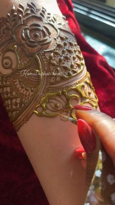 Khafif Mehndi Design, Henna Tattoo Designs Simple, Stylish Mehndi Designs, Latest Bridal Mehndi Designs, Full Hand Mehndi Designs, Mehndi Design Photos, Wedding Mehndi Designs, Mehndi Designs For Fingers, Beautiful Henna Designs