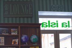 Wifi gratis en el Lounge. C/Imeldo Serís 75. www.laislalibros.com