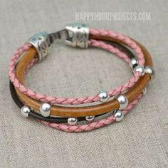 Einfache DIY Perlen-Leder-Armband am www.happyhourprojects.com | Ein Klebstoff-and-go-Design -, wenn man messen kann, zu schneiden. und Leim, dann ist dieses DIY ist perfekt für Sie!