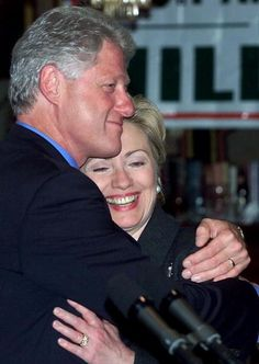 Clintons PDA: On Hillary & Bill's Anniversary, A Look At Their Cutest Moments (PHOTOS)