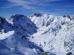 Pico Almanzor, one of my most inspiring accomplishments. Mount Everest, Mountain, Nature, Travel, Inspiration, Bouldering, Europe, Biblical Inspiration, Naturaleza