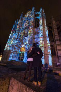 Cathédrale de Beauvais, 2014 | Beauvais, la Cathédrale Infinie » : De juin à septembre et en décembre, à la nuit tombée, le parvis de la cathédrale s'illumine avec un spectacle qui rend est un hommage au destin exceptionnel de la plus haute cathédrale du monde et de son histoire inachevée.  | © Oise Tourisme / comdesimages.com | #oise  #événement #tourisme #beauvais #cathédrale | www.oisetourisme.com