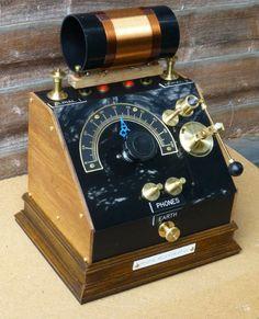 Medium Wave Crystal Radio Mystery Coil Handmade Vintage Style | eBay Vintage Music, Vintage Style, Radio Amateur, Cb Microphone, Christmas Clock, Pocket Radio, Diy Speakers, Retro Radios, Steampunk Accessories
