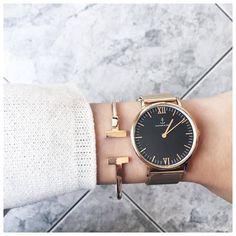 Minimalist Style Gold #Bangle 19,90 € #happinessbtq