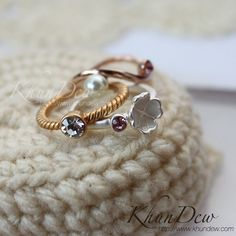 แหวนชุดดอกไม้สีทองคำขาว