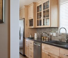 Maple cabinets - backsplash idea