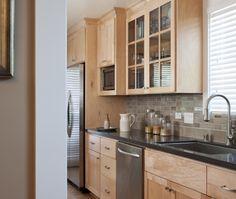 Maple cabinets - backsplash idea